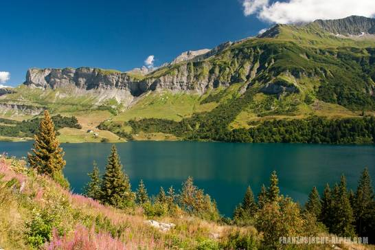 Wunderschöne Berglandschaft am Roselend-Stausee